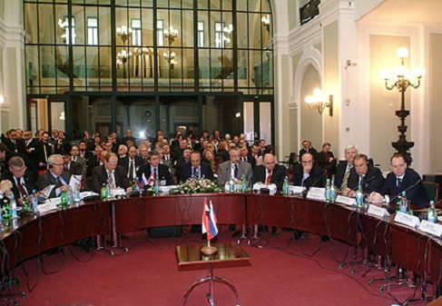 صورة 240 رجل أعمال سوري وروسي يبحثون فرص الاستثمار نهاية شباط