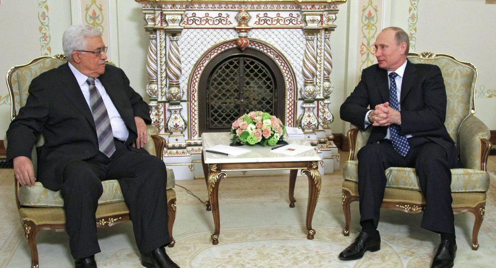 صورة بعد حادثة الطائرة الروسية.. بوتين يلغي زيارته إلى سوتشي ويلتقي الرئيس الفلسطيني