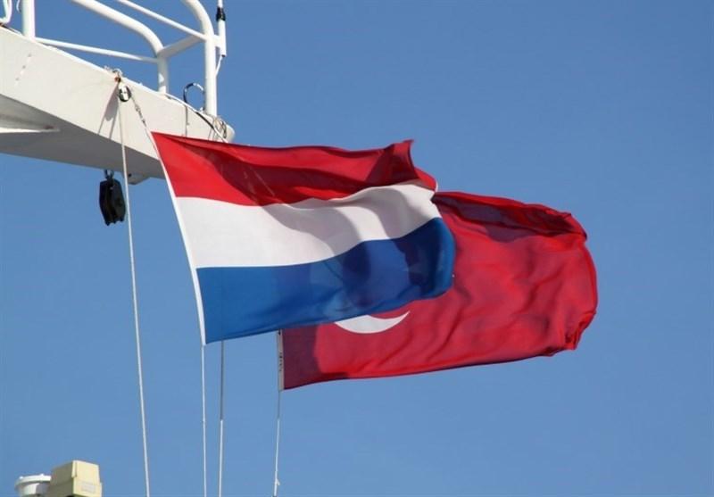 Photo of هولندا تسحب سفيرها من تركيا وتعلَق المفاوضات مع أنقرة