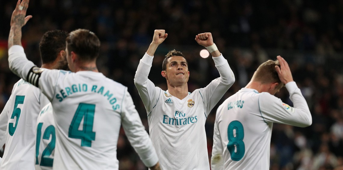Photo of ريال مدريد يحسن ضيافة الباريسيين.. وليفربول يسحق بورتو بالخماسية