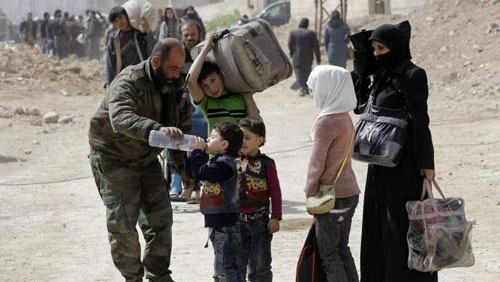Photo of مركز المصالحة: خروج أكثر من 68 ألف مدني من الغوطة الشرقية