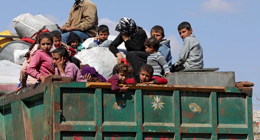 صورة قوات تركية تتجه إلى جبل عندان بريف حلب.. عشرات الآلاف ينزحون عن عفرين والعالم يتفرج