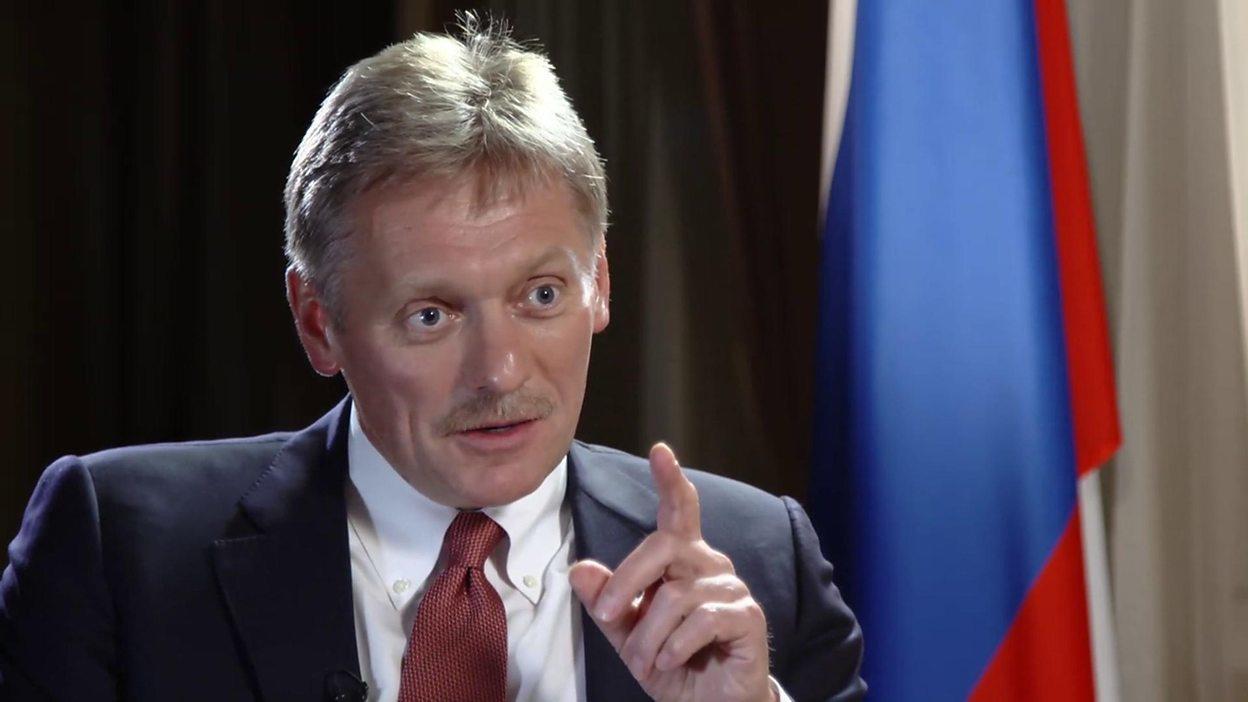 صورة بيسكوف: على بريطانيا أن تثبت ادعاءاتها بالأدلة أو تعتذر لروسيا
