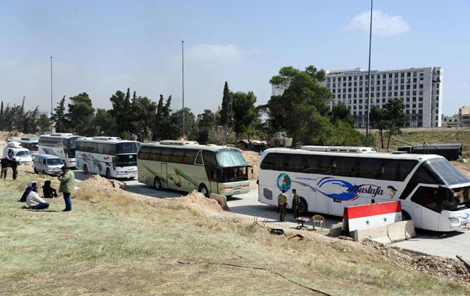 Photo of الدفعة الثانية من مسلحي الغوطة في طريقها إلى إدلب