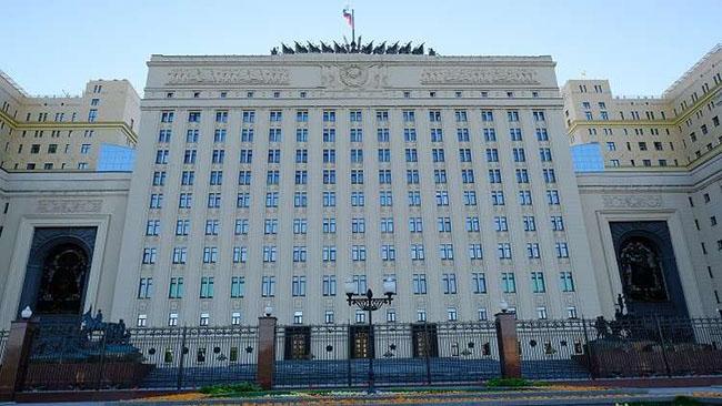 Photo of الدفاع الروسية: التحالف يرفض تسليم شرق دير الزور للسلطات السورية
