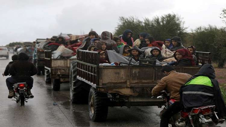 صورة خروج 2700 نسمة عن عفرين إلى منبج في ليلة واحدة