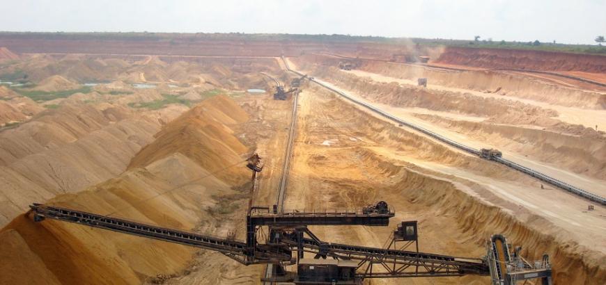 """Photo of """"النفط"""" توقع عقداً لاستخراج الفوسفات في تدمر مع شركة روسية"""