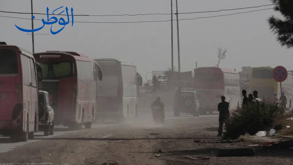 Photo of بالصور.. خروج الدفعة الثانية من المسلحين وعائلاتهم من الغوطة الشرقية باتجاه إدلب