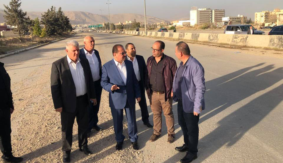 Photo of حمود: الورشات بدأت العمل بفتح طريق حرستا