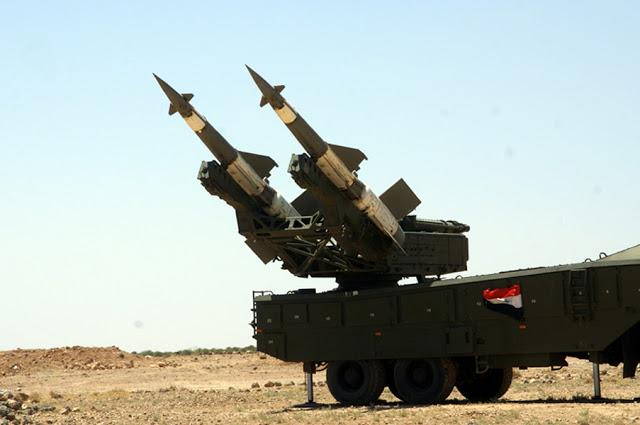 Photo of الدفاع الجوي يتصدى لعدوان بالصواريخ على مطار التيفور ويسقط عددا منها