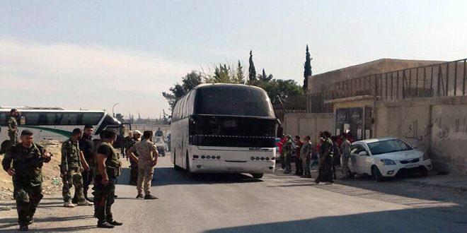 """صورة استكمال عملية إخراج """"فيلق الرحمن"""" إلى إدلب قبل البدء بتنفيذ باتفاق دوما"""