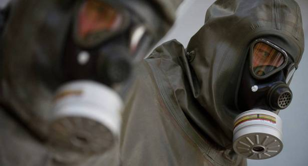 Photo of مركز المصالحة الروسي ينفي استخدام الجيش السوري للكيميائي في دوما