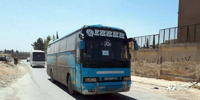 """Photo of حافلات تقل مسلحي """"جيش الإسلام"""" في طريقها من دوما إلى جرابلس"""