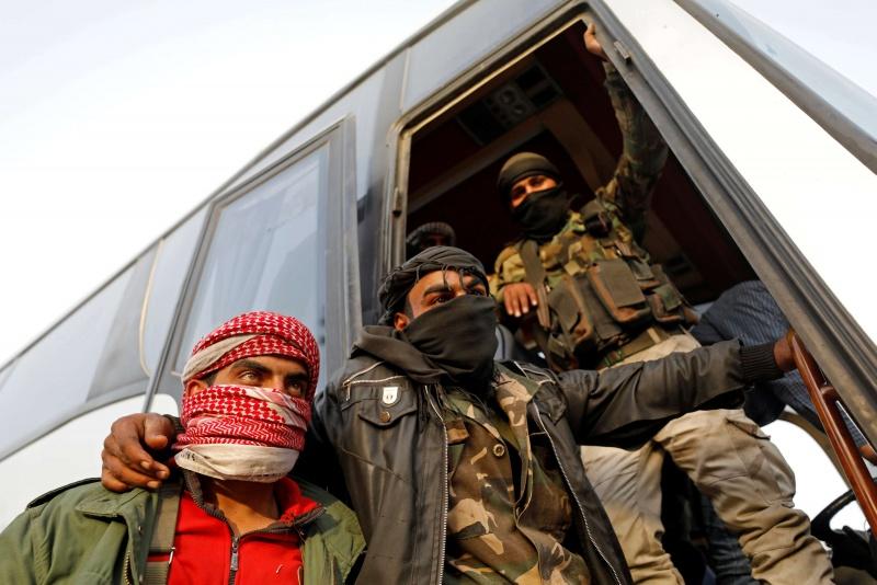 """صورة """"درع الفرات"""" لـ """"جيش الإسلام"""": مكانكم في المخيمات فقط!"""