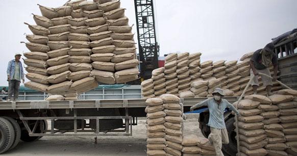 Photo of السورية للاسمنت تنتج 3 طن من الاسمنت الاوفر اقتصاديا وبالطريقة الجافة لاستخدامه في آبار النفط