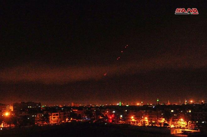 صورة الدفاعات الجوية السورية تسقط العدوان الثلاثي