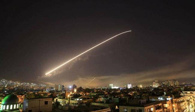 صورة الدفاع الروسية: منظومات الدفاع الجوي السورية التي تم إنتاجها قبل 30 عاماً أسقطت الصواريخ الغربية
