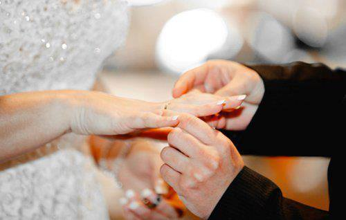 صورة العكام: مشروع قانون يفرض الحبس على الزواج العرفي بحاجة إلى مراجعة