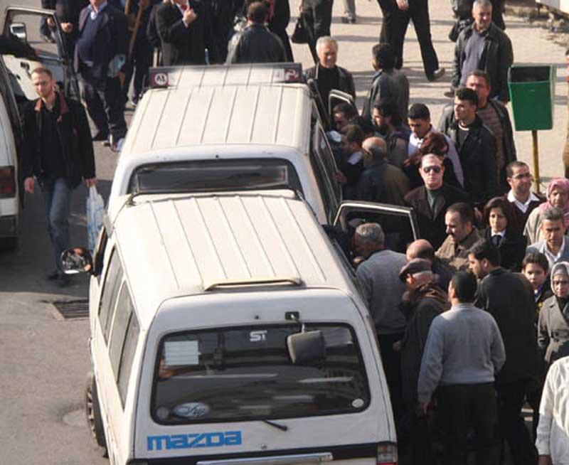 Photo of السرافيس تعود إلى الغوطة وتأهيل الطريق لم يبدأ بعد