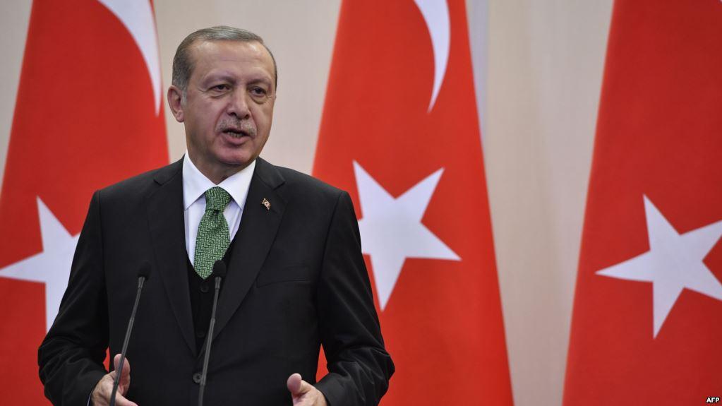 صورة أردوغان رئيساً لتركيا في ظل شكوك المعارضة