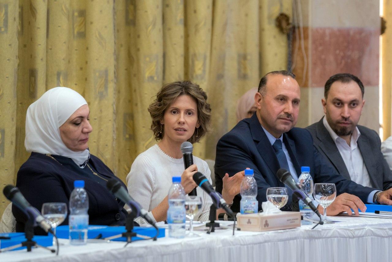 صورة السيدة أسماء الأسد تدعو المؤسسات الحكومية والجمعيات الأهلية لتجاوز البيروقراطية