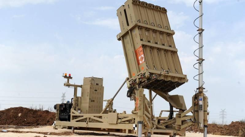 """Photo of """"القبة الحديدية"""" تتصدى لـ7 قذائف صاروخية من أصل 45 أطلقت من غزة"""