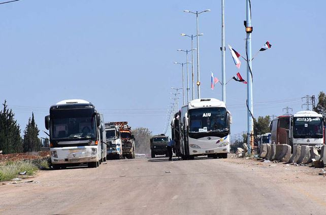 Photo of أولى الحافلات تصل القنيطرة لإجلاء الإرهابيين خارجها