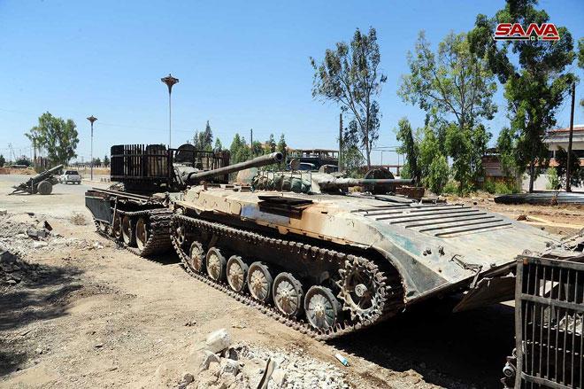 """Photo of مسلحو """"درعا البلد"""" يواصلون تسليم أسلحتهم الثقيلة للجيش"""
