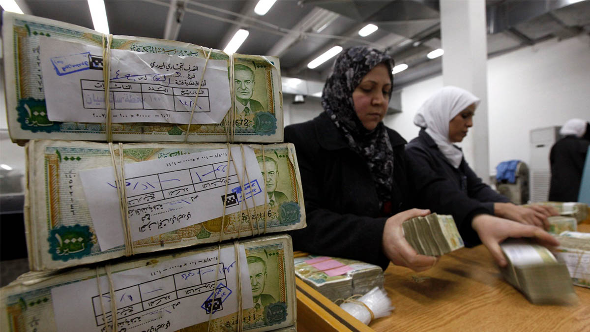 Photo of حمدان: لا نية لإعادة المصارف إلى الاقتصاد