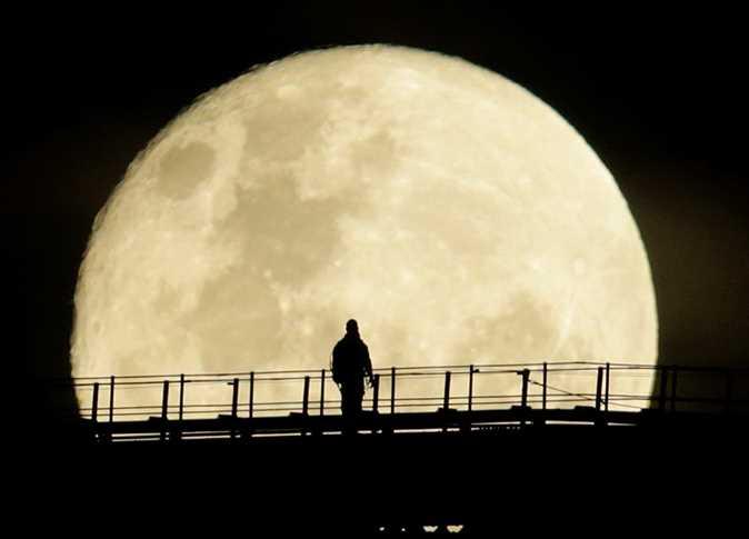 """Photo of ربما كان القمر """"مأهولا""""!"""