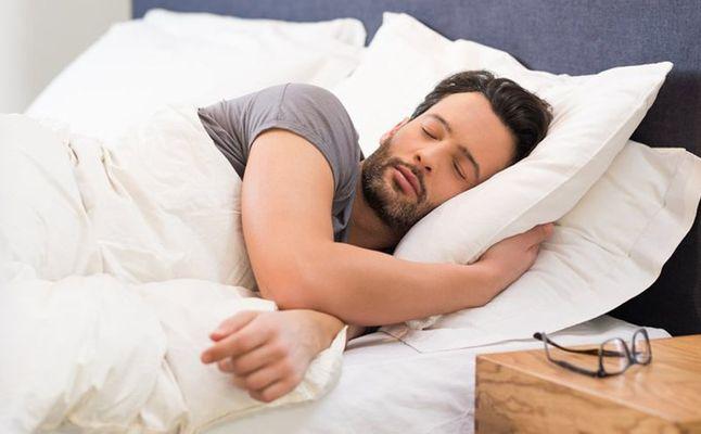 صورة الإفراط في النوم قد يؤدي إلى الموت