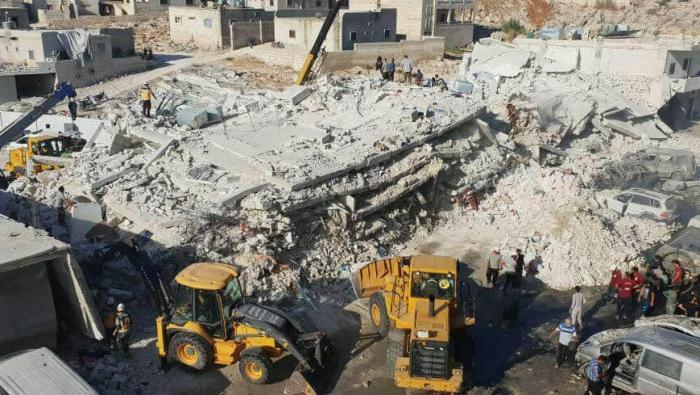 """Photo of انفجار ضخم في مستودع ذخيرة لـ """"النصرة"""" بإدلب يوقع عشرات القتلى"""