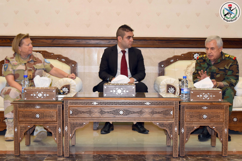 "Photo of وزير الدفاع يبحث مع قائد ""إندوف"" عودة القوات الأممية إلى منطقة فصل القوات"