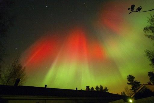 Photo of علماء الفلك يحذرون من عاصفة مغناطيسية في آب