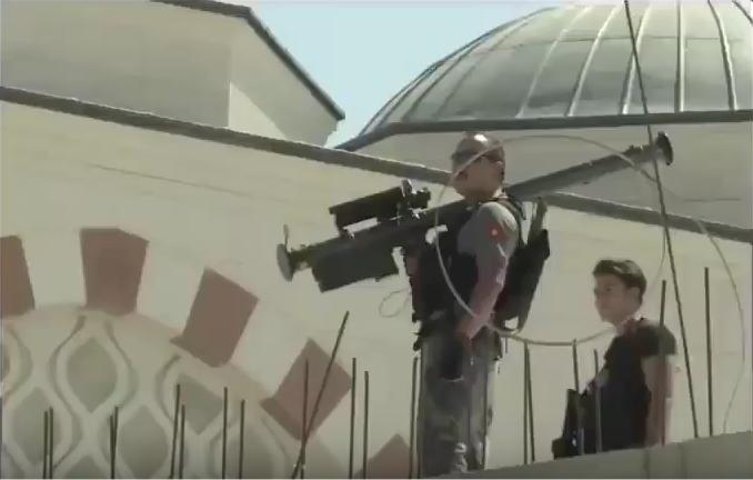 Photo of بالفيديو.. أردوغان يزود حراسه بأسلحة مضادة للطائرات بعد محاولة اغتيال مادورو