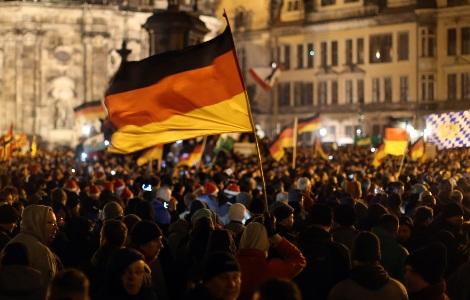 "Photo of اليمين الألماني المتطرف ينتفض ضد ""المهاجرين"""