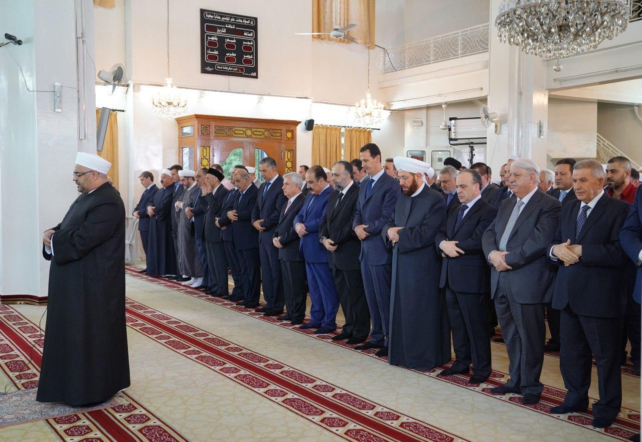 Photo of الرئيس الأسد يؤدي صلاة عيد الأضحى في جامع الروضة بدمشق