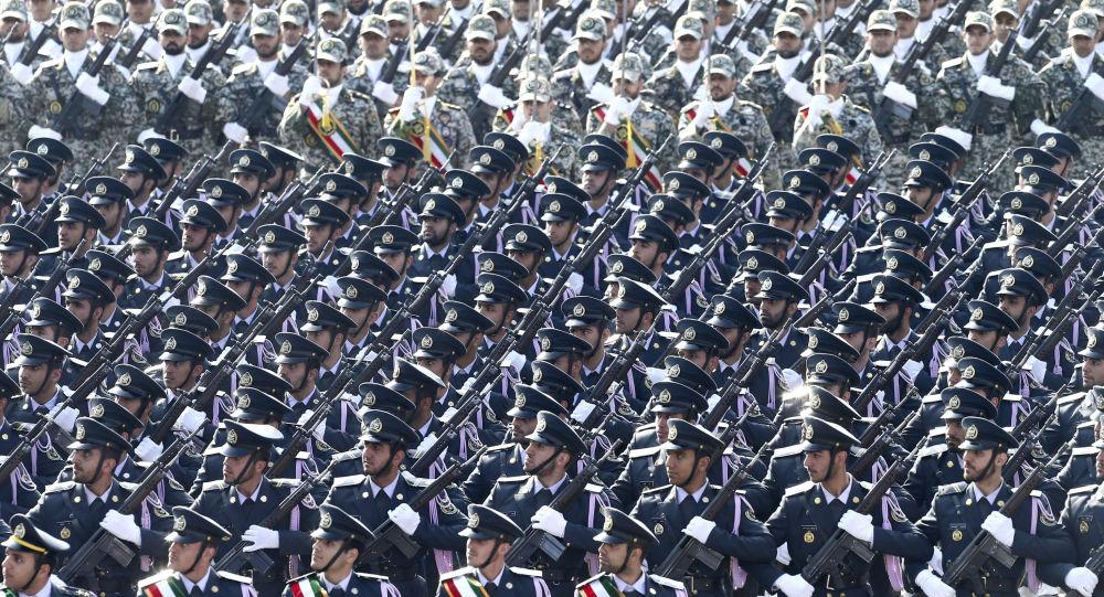 Photo of قتلى وجرحى خلال هجوم إرهابي استهدف عرضاً عسكرياً جنوب غرب إيران