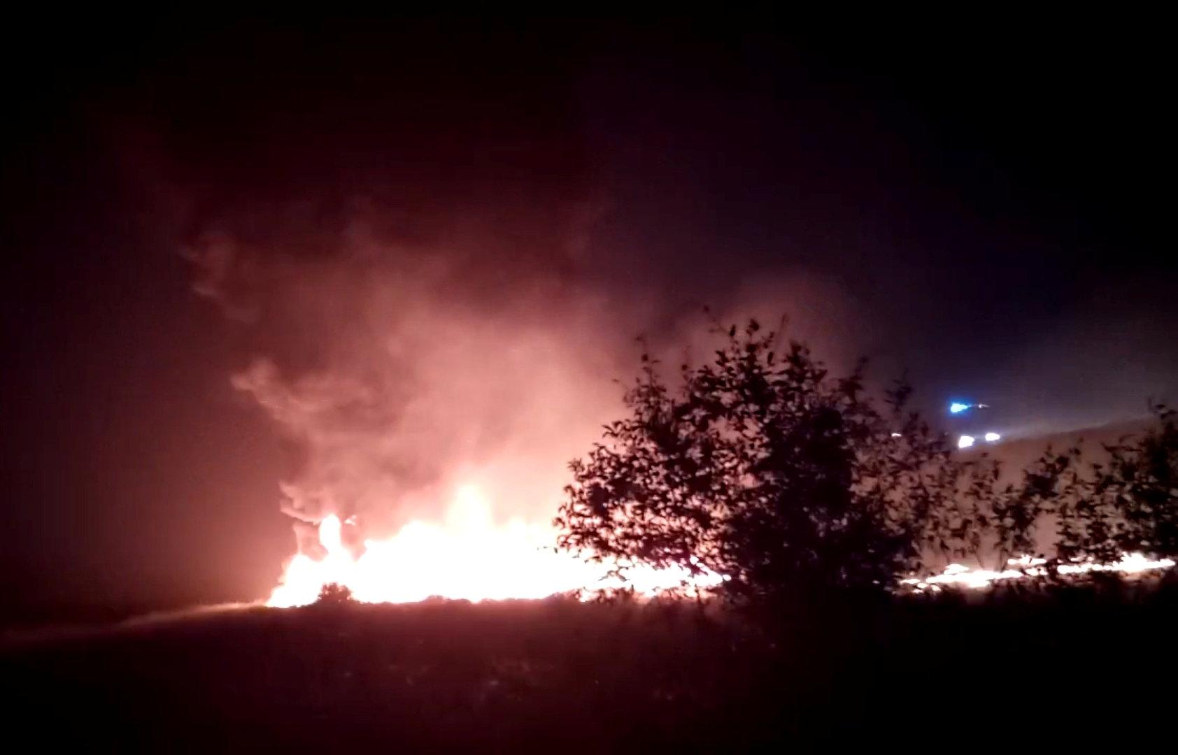 Photo of حريق في طائرة ركاب روسية وإجلاء 160 راكبا (فيديو)