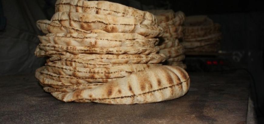 Photo of أفران بريف دمشق تعيد إنتاج الخبز اليابس وتتلاعب بالوزن