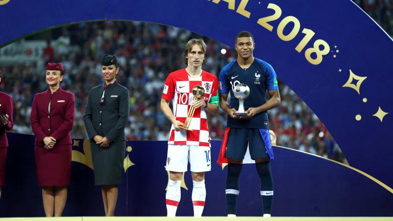 Photo of الفيفا تعلن تشكيلتها المثالية لعام 2018