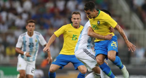Photo of البرازيل تهزم الأرجنتين بهدف قاتل وتفوز بلقب البطولة الرباعية