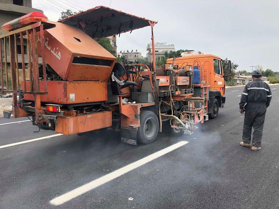 Photo of وزارة النقل تباشر بصيانة الاتسترادات الدولية