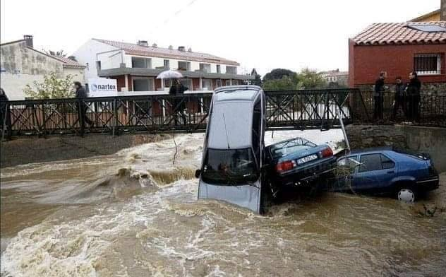 "Photo of فيضانات هائلة في تونس تقتل 5 أشخاص ""صور"""
