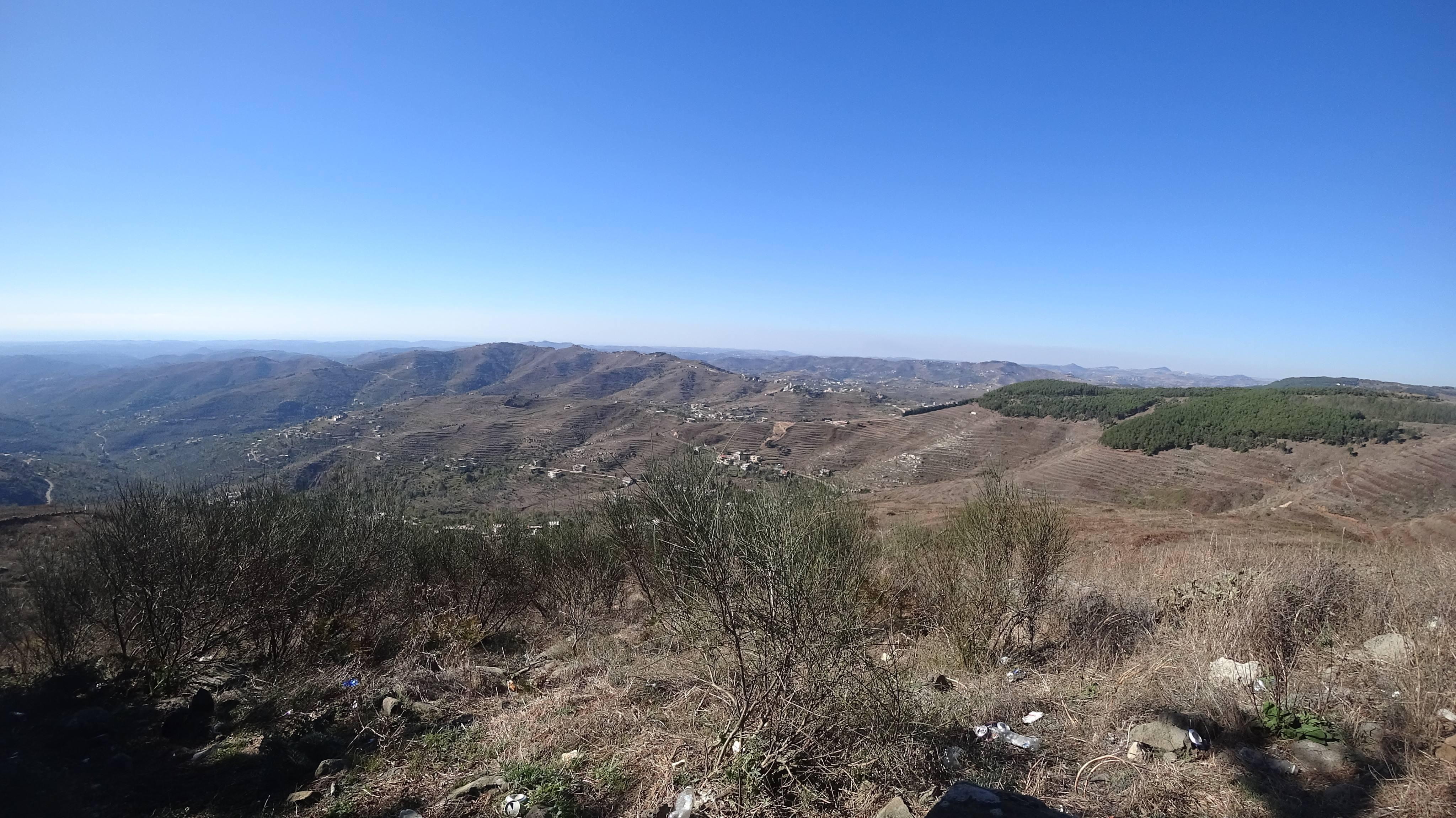صورة قمة النبي صالح .. أعلى قمة في جبال الساحل السوري كما لم تراها من قبل