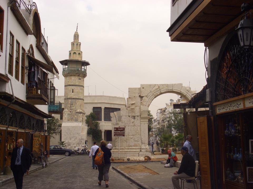 Photo of عبود: إغلاق مدينة دمشق القديمة أمام السيارات