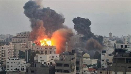 Photo of الاحتلال الاسرائيلي يشن سلسلة غارات على غزة ووقوع اصابات
