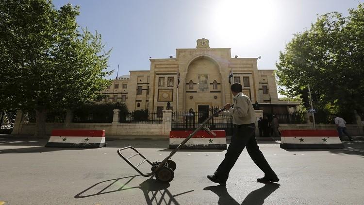 "Photo of لا نقاش في مرسوم ""الأوقاف"" حالياً"
