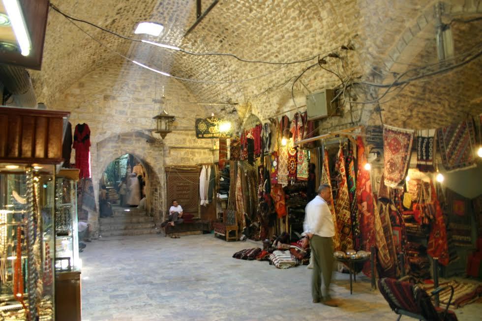 Photo of أكثر من نصف محالها افتتحت.. ترميم المدينة القديمة أولوية في حلب