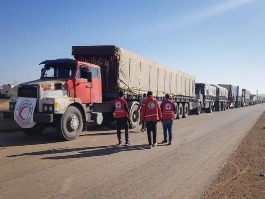 Photo of بتسهيلات من الحكومة السورية.. إدخال أول قافلة مساعدات إلى مخيم الركبان